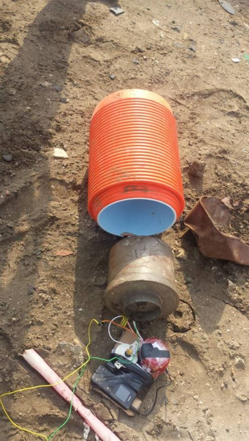 IED planted near a mosque attended by security leaders in Khormaksar #Aden rendered safe by Special Security Forces. #SouthYemen #Yemen 2 (1)