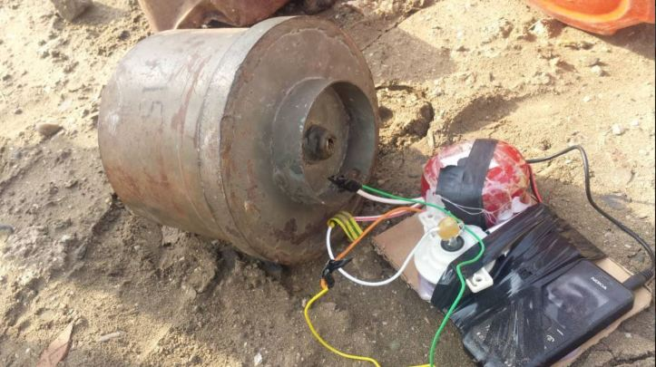 IED planted near a mosque attended by security leaders in Khormaksar #Aden rendered safe by Special Security Forces. #SouthYemen #Yemen 2 (3)