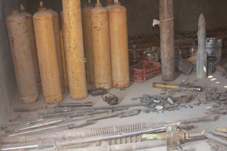 Found the largest factory to manufacture bombs and rockets in Fallujah (19)