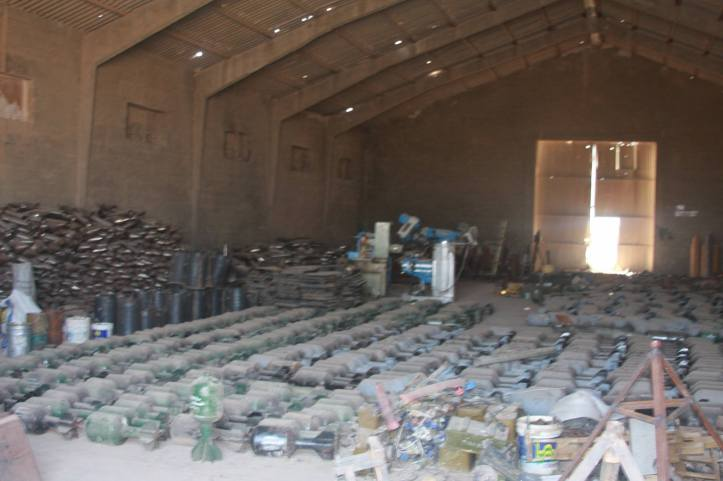Found the largest factory to manufacture bombs and rockets in Fallujah (27)