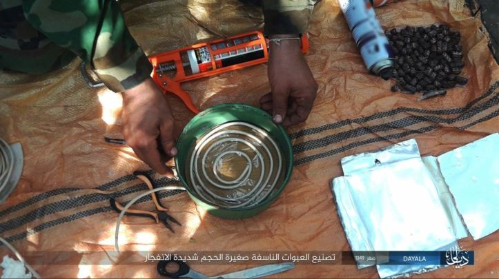 IS, Wilayat Diyala, issues photo report on manufacturing IEDs 2