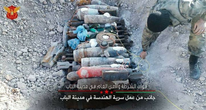 Free Syrian Police-linked unit found and destroyed several IEDs and #landmines left by IS in Al-Bab city in northern Aleppo countryside of #Syria.
