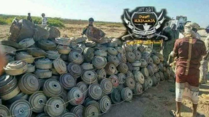 Yemen - pro-hadi fighters dispose of mines and IEDs (2)