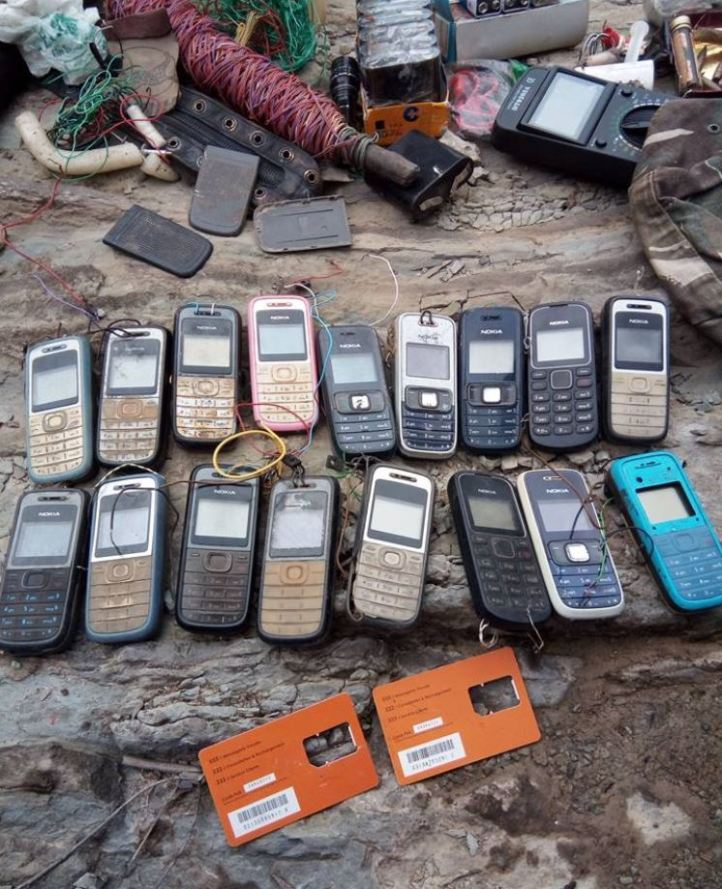 #Algeria 15 IEDs, booby-trapped mobile phones, and other IED materiel discovered yesterday in #Bouira (2)