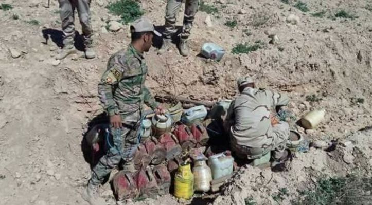 Iraq Army 15th Division, 92nd Brigade started clearance operations around #Sinjar, #Iraq as part of their rotation in the region. Explosives are being removed from the villages and along